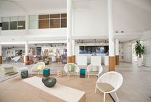QLD - QT Port Douglas / QT Port Douglas is located north of Cairns in the stunning coastal town of Port Douglas. Designer décor sets this resort apart. With hand-sourced fabrics and finishes and exceptional amenities, QT Port Douglas is the ideal place to relax and unwind.