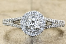 Weddings: Bling Bling / Wedding jewelry: Engagement rings, wedding bands, necklaces, earrings, etc.