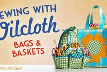 Learn how to make bags and purses / Learn how to make your own bags and purses with these online classes and books that teach you easy sewing techniques.