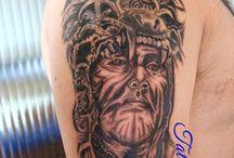 Tattoonee / tattoo artist