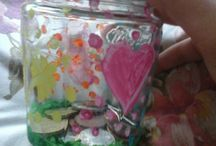 DIY enfant / Un pot de confiture et un peut de peinture se transforment en petite boite a pièces ,a bijoux ...  pour les enfants