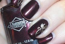 nails / by Elizabeth Hug