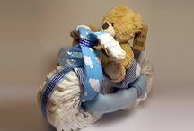 Plienkové torty - darčeky pre chlapcov / Každé dieťa potrebuje plienky, no darovať ich je nuda. Potešte rodičov a zabavte bábo originálnym Baby Party darčekom.