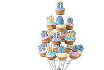 Cupcake Party / Cupcake Party Ideas. Plan a Cupcake themed party!