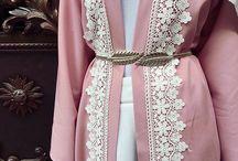 detail lace abaya