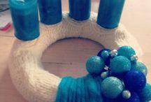 Adventskranz bleu/creme / Umstrickter Styroporring