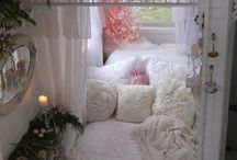 A shabby chic nook, for a retreat from the world / I usually favor ultra modern, but sometimes I long for the comfort of a bohemian nook.