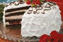 Cakes / by Loretta Fauchier