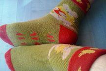 Algemeine Stopper tipps / Hier sind Tipps, wie mann Stoppersocken (ABS-Socken, Stoppi, Stopper, Anti Rutsch(e) Socken) unterwegs als auch zuhause anziehen kann.