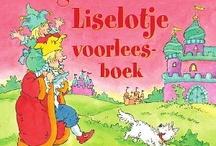 Liselotje / Een heerlijk voorleesboek op rijm over het bekende prinsesje Liselotje. Liselotje maakt van alles mee: ze is jarig, gaat op zwemles, viert kerst, mag naar groep één, en nog veel meer. En natuurlijk speelt haar papa – de koning – een grote rol in deze avonturen. Hij kan alles steeds nét iets minder goed dan zijn dochtertje. Hij luistert vaak niet, hij is sneller bang, gauw jaloers en ga zo maar door.  Alle dertien Liselotje-boekjes in één band, om telkens weer uit voor te lezen.