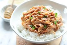 Slow Cooker Meals / by Victoria Rhoades