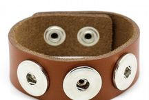 Noosa style bracelets and buttons / Gorgeous bracelets that can be changed with different buttons.