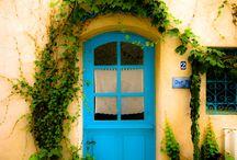 Doors / by Daniela Stephanie