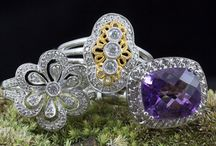 Fashion jewelry and right hand rings / Beautiful collection of jewelry