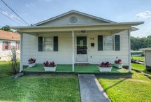 116 Vance Dr, Bristol TN / Check out this nice 3 bed 1 bath home in a great location. This home has been updated and remodeled from the ground up. Very well maintained with newer roof, siding, & windows. Nicely sized bedrooms and closets, large eat in kitchen, 10 x 12 deck, covered front porch, one level living with laundry on main level, unfinished basement makes a great work shop or storage. Move in ready for the new owners. Buyer/Buyer's Agent to verify all information. #TriCitiesAgent