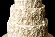 Cakes / by Laila Giffoni