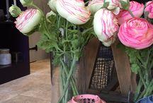 Faux flowers / Faux flowers in season