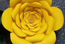 flores ' gigantes de papel