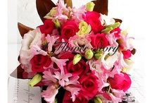 Flowers to brighten your day / Flowers colour our day in a beautiful way