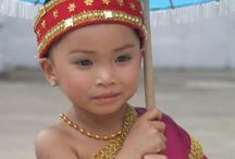 Little faces of the world / children from different counties and culture's