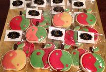 My cookies / Biscuiti cu unt si aroma la alegere (sau turta dulce) decorati manual