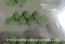cake decorating / by Joe Charaty Leyba