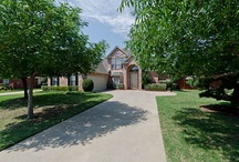 """Moving to Tampa - Here's My House For Sale in Grapevine, TX! MLS ID: 11766304 / This beautiful home is in a quiet, peaceful neighborhood just minutes from great GCISD schools, DFW airport, restaurants, shopping, you name it! We love our little """"Grapevine Bubble"""" and rarely feel the need to leave it. Come on in and take a look around!"""