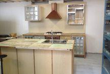 kitchen / cucine su misura - in legno massello - legni di recupero - stile coloniale e shabby - http://www.orissa.it/gallerie/cucine-su-misura.html