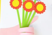 Mother's Day Crafts for Kids - Card, Keepsakes, Gifts and other DIY Ideas / Celebrate Mother's day at home or in the classroom with one of these creative ideas for kids (fun projects for toddlers, preschoolers, kindergarten and older)