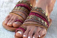 En los pies