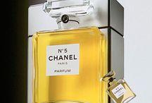 Perfume Packaging / by Izaskun Diaz