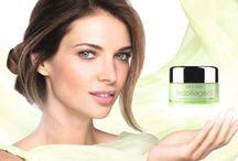 Crema de Dia Ligera Antiarrugas Ecollagen 35+ / A medida que la piel envejece, una disminución en los niveles de colágeno contribuye a cambiar la textura de la piel y a debilitar su estructura. http://tubellezaoriflame.blogspot.com.es