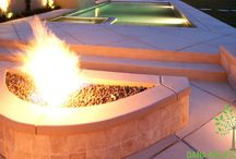fire pits landscape design / Winter is a difficult time because people feel trapped inside their homes by trying to avoid the cold weather. If you want a reason to go outside and not feel cold and uncomfortable, a fire pit is an excellent option for your backyard landscape design. Fire pits add a classy look to any landscape while fostering a sense of warmth that you can share with your family and guests.