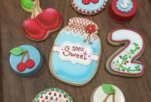 Biscotti decorati / Tanti biscotti che sembrano dipinti !!! Mi dispiace mangiarli ma mi piace ammirarli !!!!