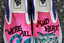 Shoes hands paiting