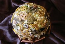 Brooch & Button Bouquet / This board is work I design and create with brooch and button bouquets and weddings of the kind