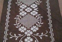 table runner cross stitch