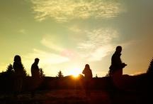 Activity @Pinetahotels... / Activity: Attraversare la natura: passeggiate, bike e… …le migliori escursioni del Trentino. In compagnia di Livio e Nicola scoprirete il piacere del movimento: escursioni facili o più impegnative tre volte la settimana, entusiasmanti uscite alla ricerca di funghi, allegre raccolte delle mele nel frutteto di famiglia con la possibilità di portare a casa quelle da voi raccolte e, ancora, le romantiche gite con carrozza e cavalli attorno ai laghi di Coredo e Tavon.