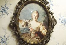 Marie antoinette art picture small metal frame