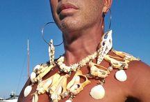 Lakis Gavalas wears  Pericles Kondylatos jewellery / Lakis Gavalas wears  Pericles Kondylatos jewellery