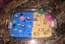 Cake Ideas / Cakes • Cake pops • yummy treats  / by MarloomZ Creations