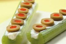 Bentos and cute kid food ideas / by Sara Haaf