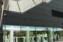 BloomZ ❤️ Winkel Rotterdam / Sinds December 2008 is BloomZgevestigd in het Lloydkwartierte Rotterdam. Vanuit ons ruime, lichte pand naast Albert Heijn bedienen we klanten uit geheel Rotterdam en omgeving. Bij BloomZloop je binnen voor een dagvers samengesteld boeket, planten voor binnen en buiten, interieurartikelen en leuke geschenken.
