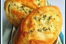 Garlic breads / by Hanna Priceawitz