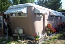 Mobile Home Park Living / by Lydia Billman