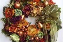 Guirlandas festivas e decoração de porta / Guirlandas festivas para usar o ano inteiro