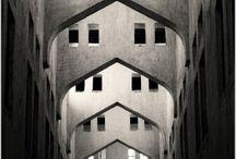 Simetria / Pins de vários autores que utilizam a simetria como base.