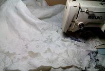 СКАТЕРТИ от Анны ( вышивка ришелье) / Скатерти с вышивкой ришелье. Вышивка сделана на обычной швейной машинке. Ткань применяла лен, габардин и креп сатин