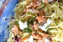 Angelo's Pasta Good Friday Recipes / Angelo's Pasta has a variety of tasty and nutritious vegetarian and seafood recipe options to make for Good Friday. Fast and easy to make, they can be eaten as a meal or used as a side dish of the Easter long weekend. Pin which recipe is your favourite.