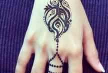 Hena design / Beautiful body designs to be admired here with stunning Henna to look at.